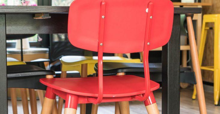 krzesło czerwone